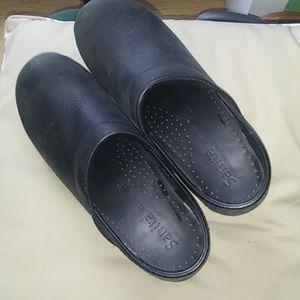 Sanita clogs in GUC black leather